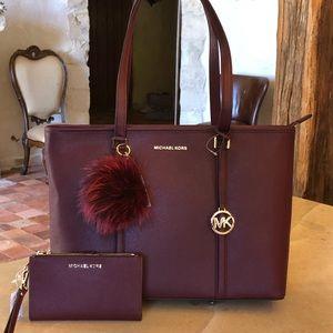 NWT Michael Kors Sadie laptop handbag&wallet&pom